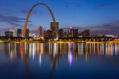 Stad van de horizon van St.Louis. Royalty-vrije Stock Foto's