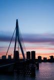 Stad van de Horizonsilhouet van Rotterdam Stock Fotografie