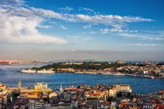 Stad van de Zonsondergangcityscape van Istanboel Royalty-vrije Stock Foto's