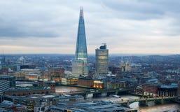 Stad van het bedrijfs en bankwezengebied van Londen, Het panorama van Londen bij zonreeks Royalty-vrije Stock Foto