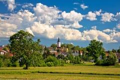 Stad van het landschap en de architectuur van Vrbovec stock foto