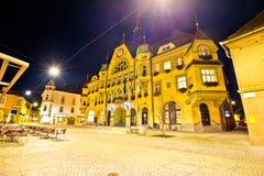Stad van historisch belangrijkst vierkant de avondstandpunt van Ptuj royalty-vrije stock afbeeldingen