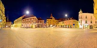 Stad van historisch belangrijkst vierkant panoramisch de avondstandpunt van Ptuj royalty-vrije stock afbeeldingen