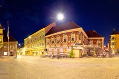 Stad van historisch belangrijkst vierkant panoramisch de avondstandpunt van Ptuj stock foto's