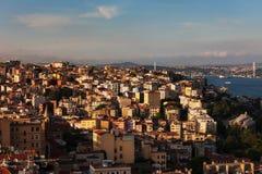 Stad van Istanboel bij Zonsondergang in Turkije Royalty-vrije Stock Foto