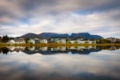 Stad van Leknes in de Lofoten-archipel, Noorwegen Stock Foto's