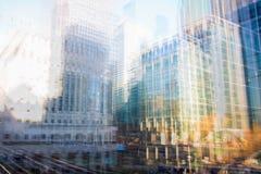 Stad van Londen bij Zonsondergang Het veelvoudige blootstellingsbeeld omvat Stad van de financiële aria van Londen het UK Londen stock foto's
