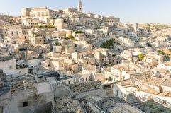 Stad van Matera en tipcal rotsenhuizen Stock Fotografie