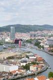 Stad van meningen de oude en nieuwe Bilbao, Bizkaia, Vasque-Land, Spanje Stock Foto