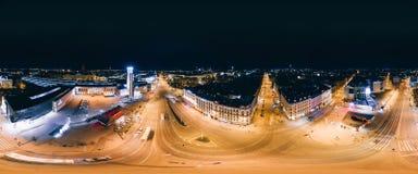 Stad 360 van nachtriga VR-Hommelbeeld voor Virtuele werkelijkheid, Panorama Stock Fotografie