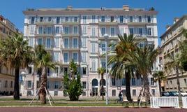 Stad van Nice - Architectuur langs Promenade des Anglais Stock Afbeeldingen