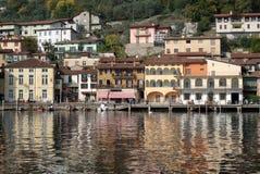 Stad van Peschiera, Iseo meer, Italië Royalty-vrije Stock Foto's