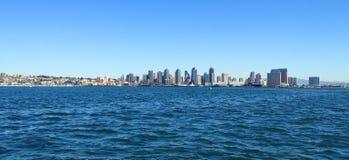 Stad van San Diego, Californië van de oceaan stock afbeeldingen