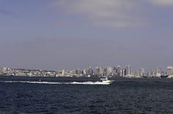 Stad van San Diego, de baai van Californië en boten Stock Fotografie