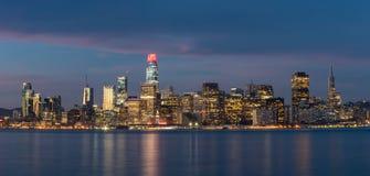 Stad van San Francisco Just Before Sunrise stock afbeelding