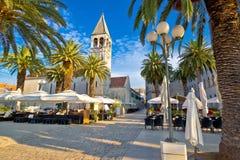 Stad van Trogir-palmpromenade Stock Afbeelding