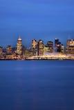 Stad van Vancouver tijdens Blauw Uur Stock Fotografie