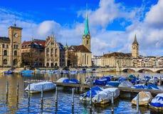 Stad van Zürich op een bewolkte dag in de winter Royalty-vrije Stock Foto