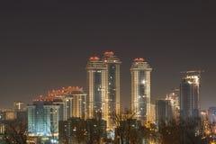Stad vid natten, nattMoskva Royaltyfria Bilder