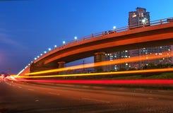 Stad-weg voertuigen in Shanghai stock foto
