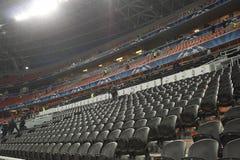 Stade d'arène de Donbass par heure avant l'allumette Image stock