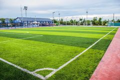 Stade d'herbe du football et de terrain de football Photos stock
