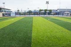 Stade d'herbe du football et de terrain de football Photographie stock