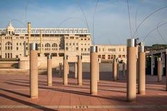Stade de compagnies d'Estadi OlÃmpic LluÃs à Barcelone au coucher du soleil photographie stock