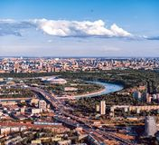 Stade de Luzhniki d'une taille, panorama de Vorobyovy sanglant photos stock