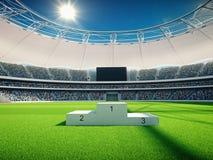 Stade par jour avec des escaliers de gagnant, ciel bleu rendu 3d Images libres de droits
