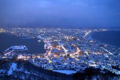 Staden av Hakodate i skymningen, panorama Arkivbilder
