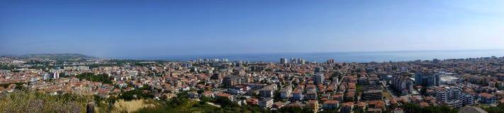 Staden av montesilvanoen från över Royaltyfria Foton