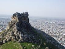 Staden av Osh Sikt från monteringen Sulaiman-Too Royaltyfri Bild