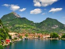 Staden av Riva del Garda, Lago di Garda Arkivfoton