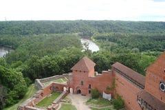 Staden av Sigulda av Lettland arkitektur royaltyfri bild