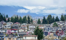 Staden av Vancouver - flyg- sikt - VANCOUVER - KANADA - APRIL 12, 2017 Royaltyfri Bild