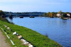 Staden av Zamora från stenbron över floden Duero Castile och Leon spain arkivfoto