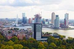 Staden beskådar Rotterdam Fotografering för Bildbyråer