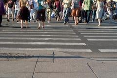 staden går Fotografering för Bildbyråer