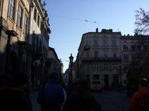 Staden går royaltyfri foto