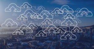 Staden med molnet laddar upp symboler Fotografering för Bildbyråer