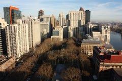 Staden mycket av skyskrapan Arkivbilder