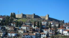 Staden Ohrid på Ohrid sjön Royaltyfria Bilder