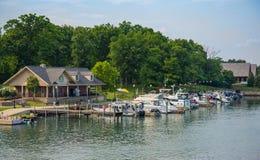Staden parkerar marina Fotografering för Bildbyråer