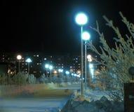 Staden parkerar på natten. Fotografering för Bildbyråer
