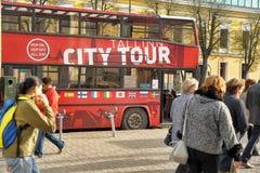 Staden turnerar bussen Arkivbild