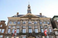 Stadhuis in de Nederlandse stad Den Bosch En gemaakt tot deze kleine stad voel grote groter Royalty-vrije Stock Foto's