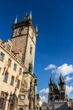 Stadhuis en Kerk van Moeder van God voor TÃ ½ n in Praag, Oud Stadsvierkant Royalty-vrije Stock Foto