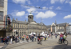Stadhuis en Mevrouw Tussauds op Damvierkant in Amsterdam, Hollan Royalty-vrije Stock Foto's
