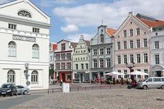Stadhuis en patricische huizen op marktplaats van Wismar Royalty-vrije Stock Foto